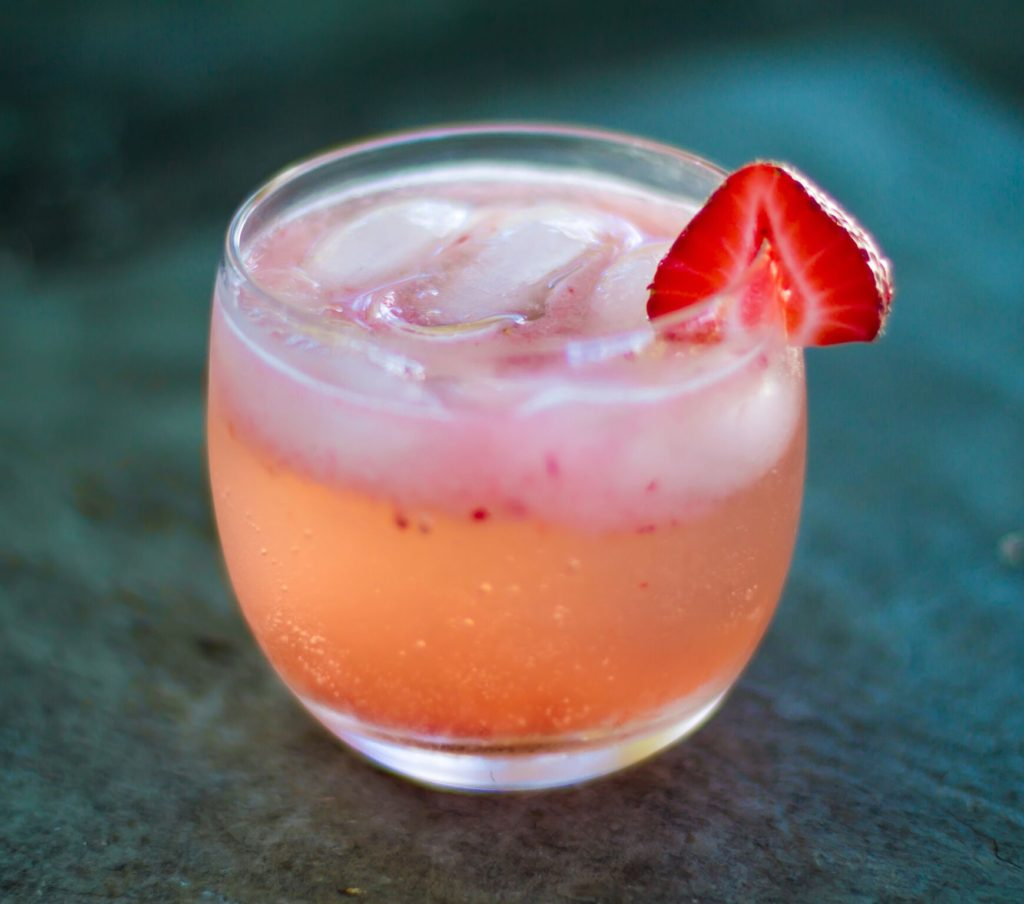 Strawberry Elderflower Gin Fizz