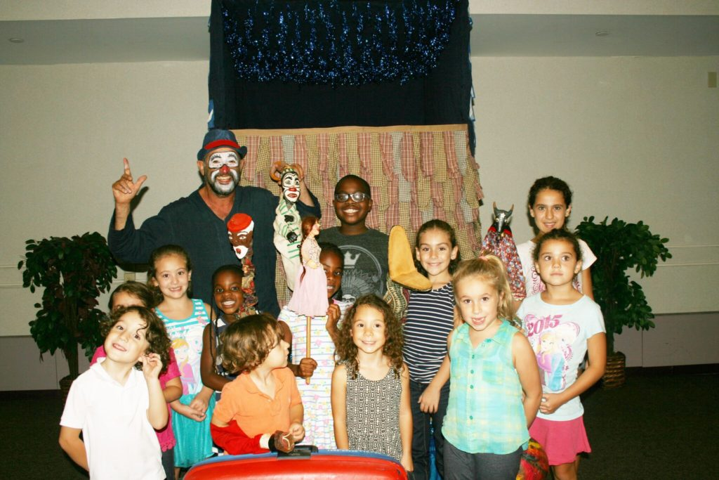 'Mamulenga Presepada': Brazilian Puppet Theater Performance in Danbury