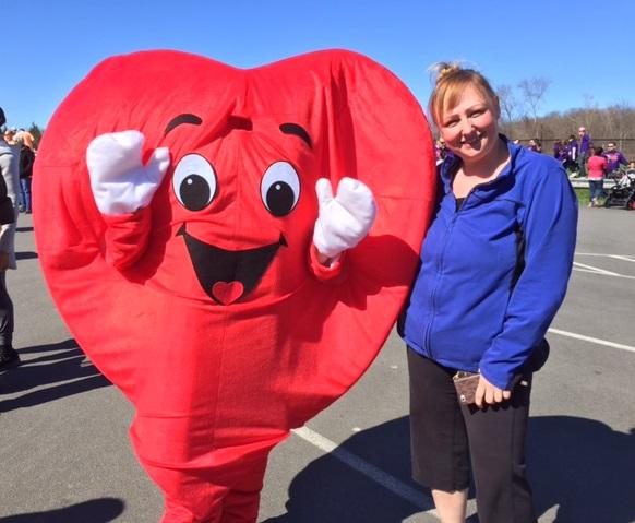 Carolyn Hatzi Receives the American Heart Association Lifestyle Change Award
