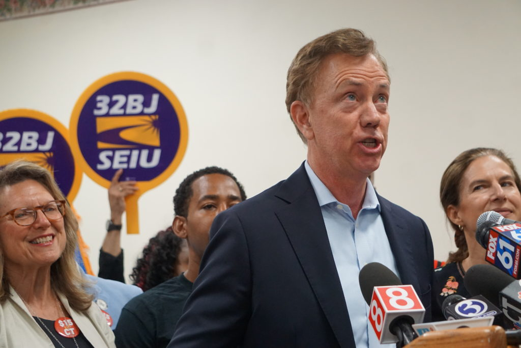 Governor Lamont Signs $15 an Hour  Minmun Wage Into Law